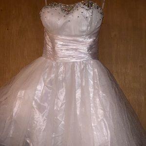 Dresses & Skirts - White Short Prom Dress